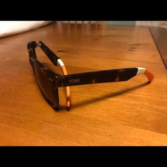 846289e455b19 TOMS Beachmaster Polarized Sunglasses. M 5a6a03249cc7ef83fe5fb7e4